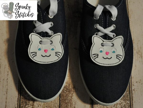 cat shoe tags in the hoop embroidery file by Spunky stitches